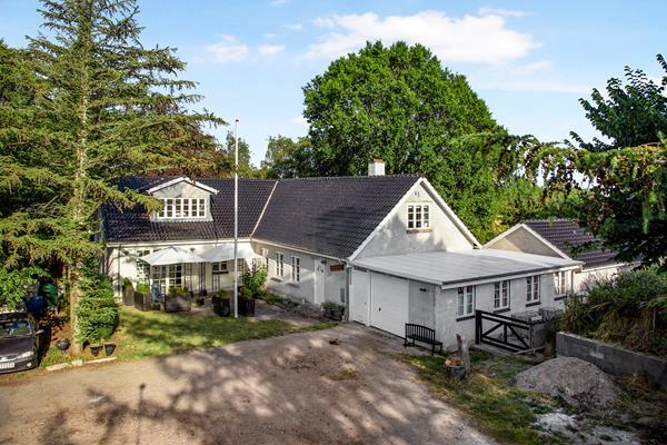 Landevejen 10, Kundby Villa