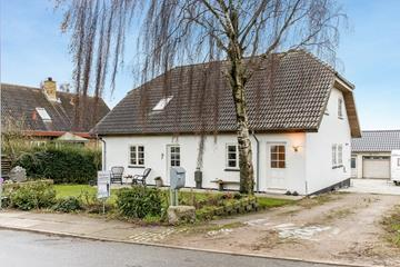 Røjle Bygade 71, Røjle Villa