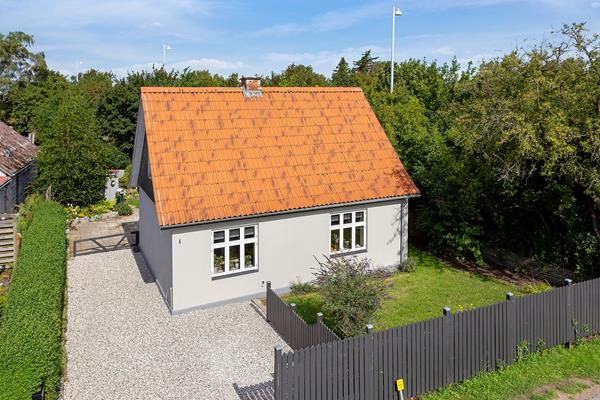 Stationsvej 4, Holme Olstrup Villa